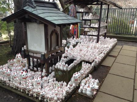 招き猫発祥の地、豪徳寺