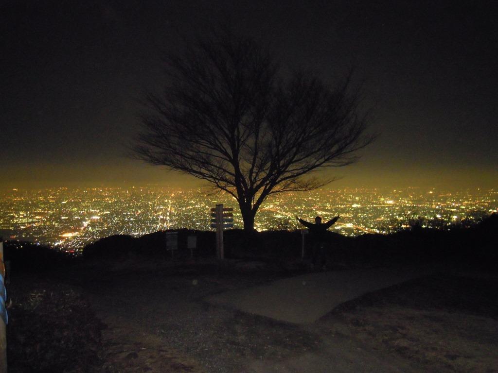 大阪の迫力夜景、ぼくらの広場