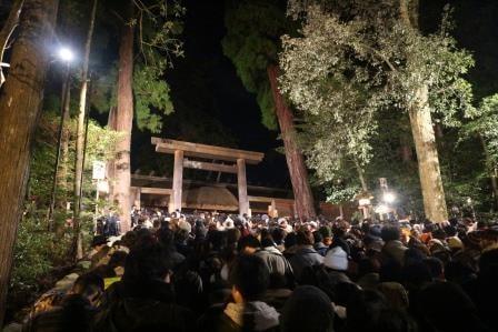 天照大御神を祀る「伊勢神宮」、混雑覚悟で2016年の初詣をしてきた!!