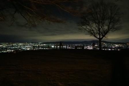 新日本三大夜景の1つ「若草山」の夜景は、奈良全体を見渡せる納得スポットだ!