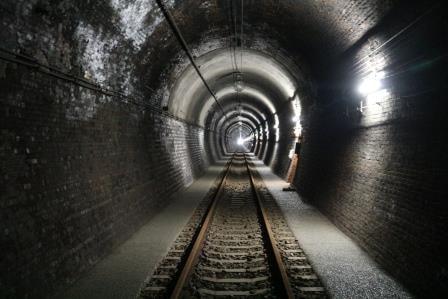 歴史ある遺構「大日影トンネル遊歩道」は、我々に何を語っているのか!!