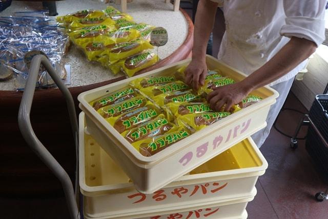 滋賀県で爆発的人気を誇る「サラダパン」の総本家つるやパンを訪ねる!