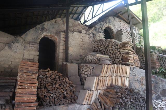 【日本で唯一の窯垣】愛知県瀬戸市にある「窯垣の小径」は陶器の歴史が詰まった隠れた名所だ!