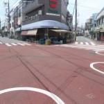 東京都大田区にある「七辻」の交差点は、多くの道路が集中する珍交差点だ!
