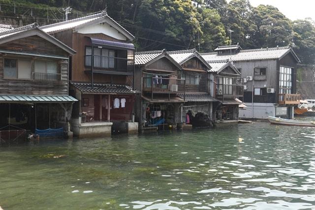 京都府にある「伊根の舟屋」はここでしか見られない貴重な街並みだ!