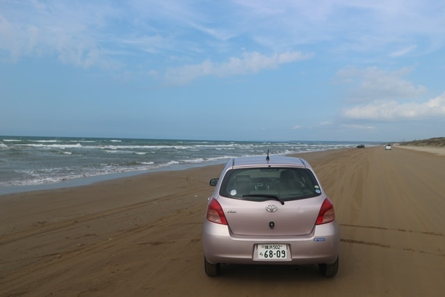 【日本で唯一】砂浜を車で走れる「千里浜なぎさドライブウェイ」について調査した!