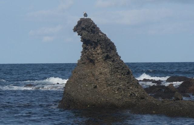 能登半島の先端にある謎の奇岩「ゴジラ岩」を調査しに行った!