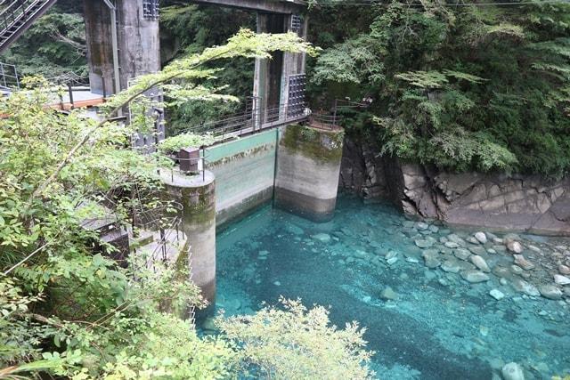 神奈川県の秘境!?ユーシン渓谷で見れる青々しい景色を検証した!