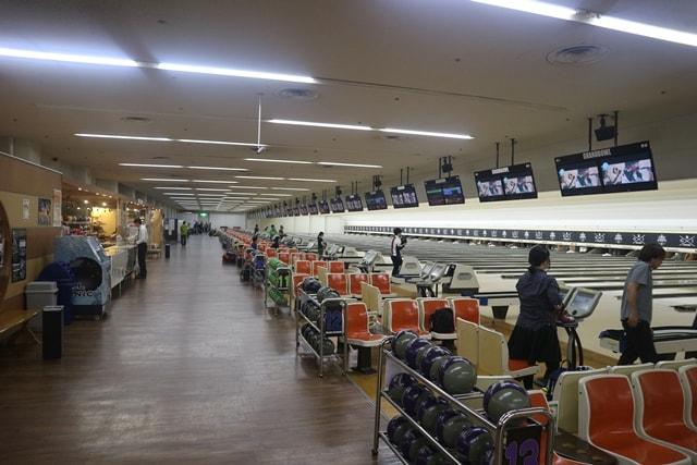 【超絶光景】愛知県にある「稲沢グランドボウル」は、ギネスに載ったボウリング場なのだ!