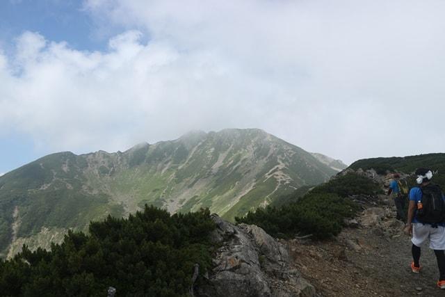 登るまでが超大変!南アルプス3000m級の「仙丈ヶ岳」登山に挑んだ!