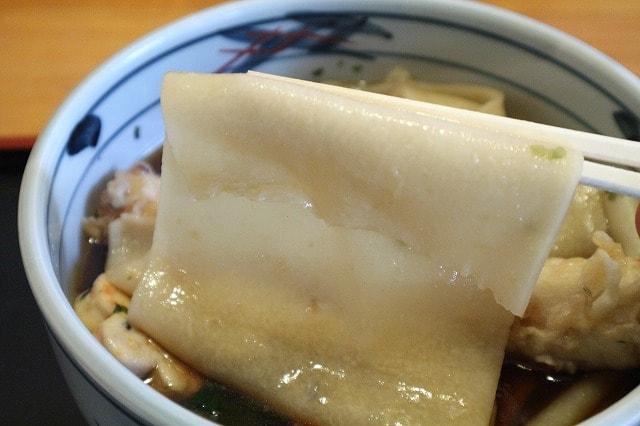 太さ異次元!埼玉県鴻巣市には、鬼のような太さを誇る「川幅うどん」があるぞ!
