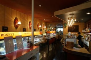 元特攻隊員のマスターが営むレトロ喫茶「ボンネット」を訪問!