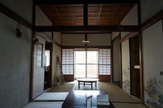 小田原の元連れ込み旅館「Tipy records inn」が最高の宿だった!