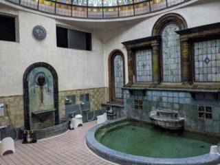 江の島の歴史を伝える元宿坊「岩本楼」の風呂がヤベェ!