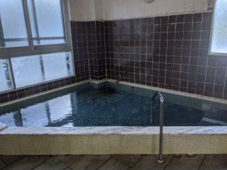 えっ、長野県には公民館に湧く温泉があるって本当!?