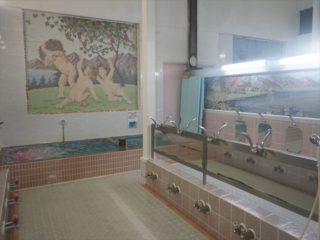 旅館に併設する昭和36年創業の老舗銭湯「みなと湯」とは!?